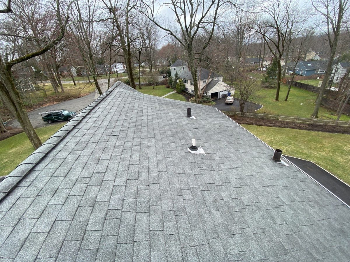 shingle roof with roof vents